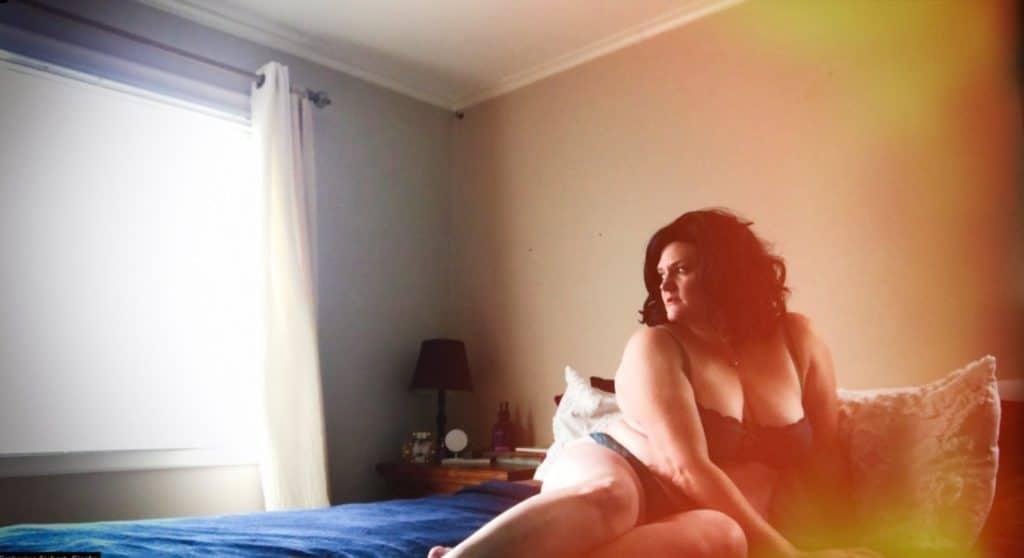 plus size fine art boston boudoir photography creative curvy