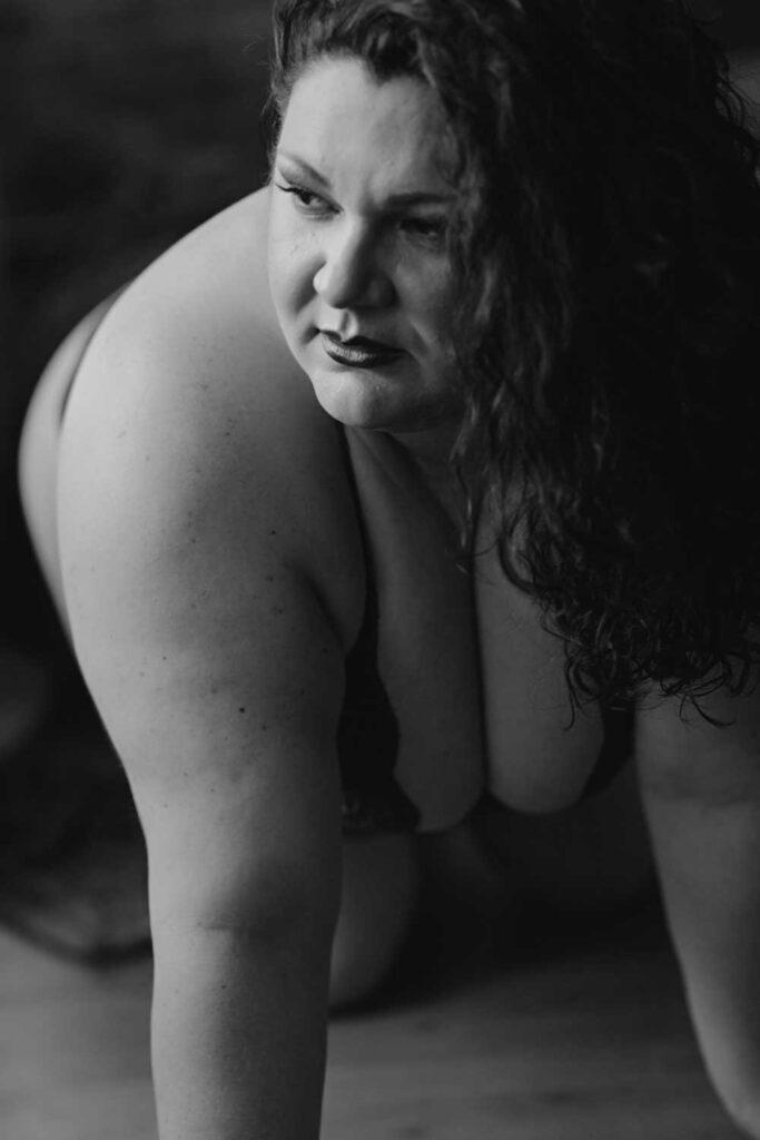 black and white plus size boston boudoir photography