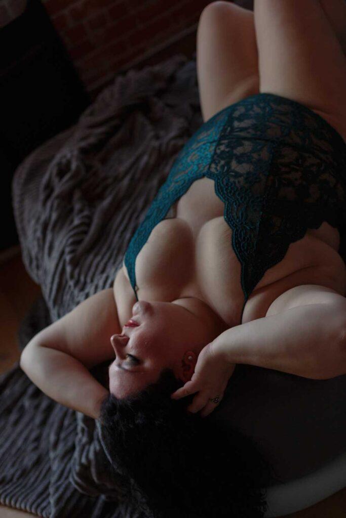 green lace bodysuit plus size boston boudoir photography